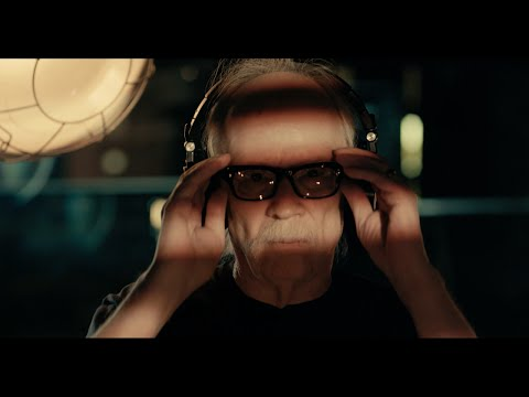 "John Carpenter ""Distant Dream"" (Official Live In Studio Video)"