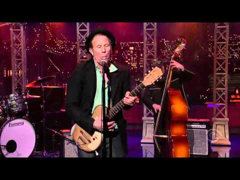 "Tom Waits – ""Lie to Me"" (Late Show with David Letterman, 2006)"