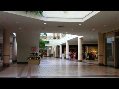 Eurythmics - Sweet Dreams (Are Made of This) (playing in an empty shopping centre)