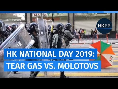 Tear gas vs. Molotovs: Hong Kong riot police & protesters in fierce battles along Nathan Rd