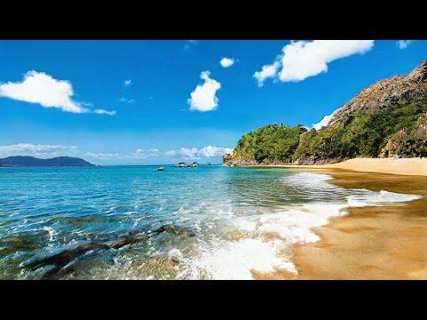 This Beach Does Not Exist - Random Latent Walk (StyleGAN2-Ada, psi=0.75)