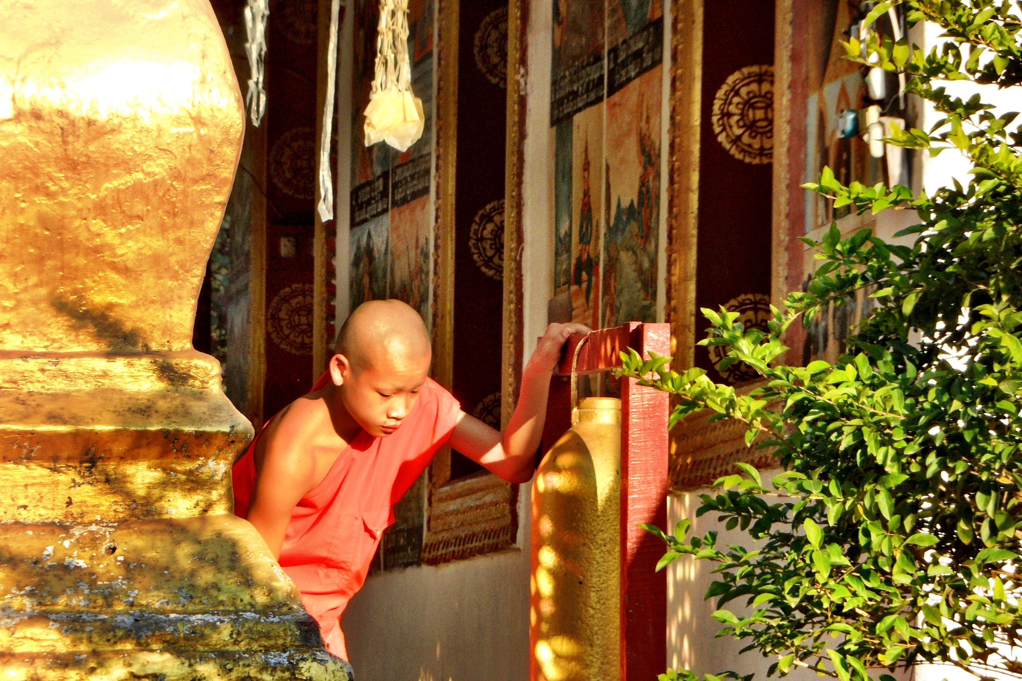 Laos: Mönchskollekte in Luang Prabang