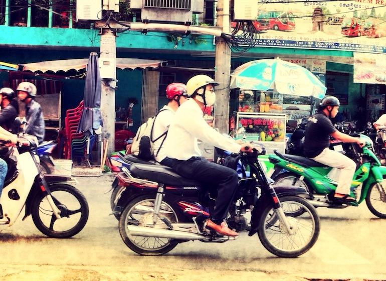 Mopeds auf der Phạm Ngũ Lão