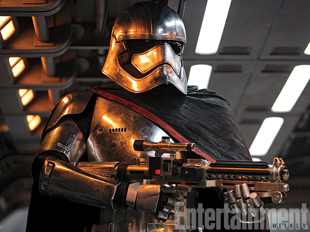 12-New--Star-Wars-The-Force-Awakens--Photos-6