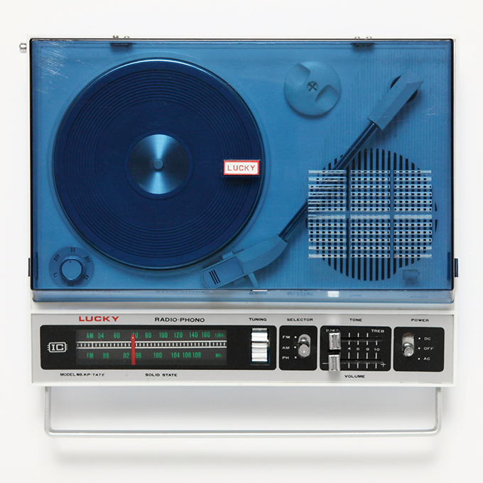 japanese-portable-record-players-5