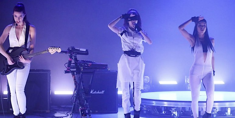 GRIMES bei Jimmy Fallon
